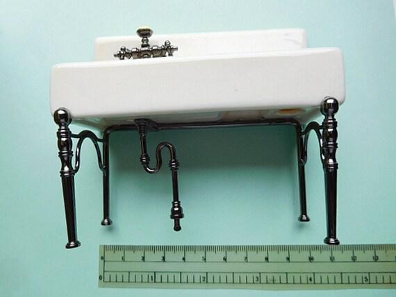 Beautiful miniature old fashioned kitchen sink 2th scale - Old fashioned sinks kitchen ...