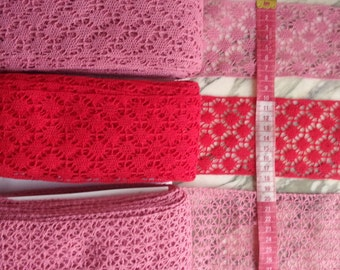 Cotton mechanical lace of color old pink / mauve and red of 1960s- Origin France.