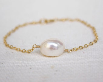Pearl Bracelet - Layered Bracelet - Gold Filled Bracelet  - Fresh Water Pearls Bracelet - Bridesmaid Bracelet - Dainty Bracelet