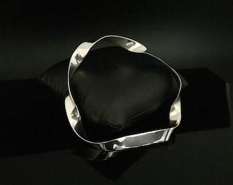 Twisted Irregular Shape Silver Bangle Bracelet - 925 Sterling Silver -- Silver Bangles