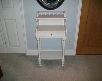 Occasional bedroom/parlour table with jewellery drawer