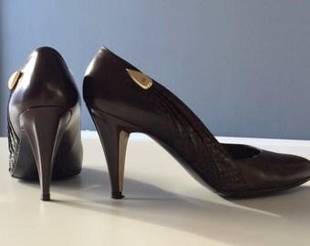 Stuart Weitzman snake skin heels size 7.5