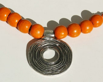 Wonderful old necklace of metal and wood, gift for her, collectors, style from 80s, disco style