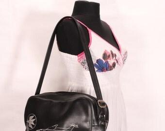 Coach bag - Vinyl shoulder bag - Traveler shoulder bag - Carry on laptop bag - Messenger bag zipper closed - Bulgaria Air bag Balkan