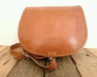 Vintage Tan Brown Leather Satchel Cartridge Shoulder Saddle Bag Boho Folk