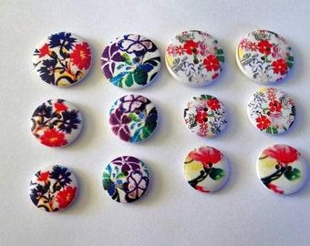 12 Wooden Flower Design Buttons #WS-00085