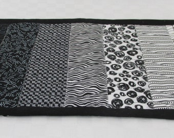 Reversible Black & White Table Topper, Table Mat, Placemat, Snack Mat, Candle Mat