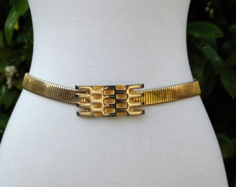 Gold Stretch Belt with Mod, Graphic, Honeycomb Buckle