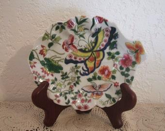 "Exquisite ""Thousand Butterflies"" Porcelain Leaf Shaped Trinket Dish"