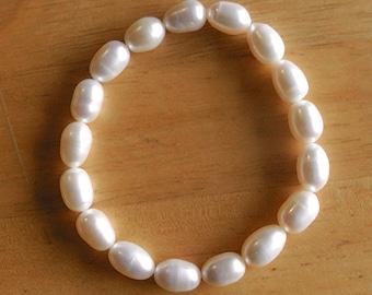 Oval Freshwater Pearl Bracelet
