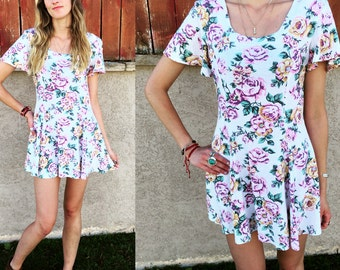 Women's Vintage 90's Adorable Floral Fit and Flare Mini Dress Size Small