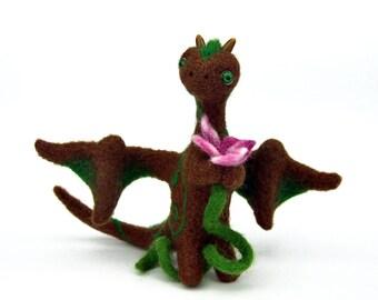 Felt sculpture Dragon needle felted. Felt Dragon sculpture needle felted. OOAK. Brown Dragon. Dragon felted. Brown, green, pink. Filzdeko.