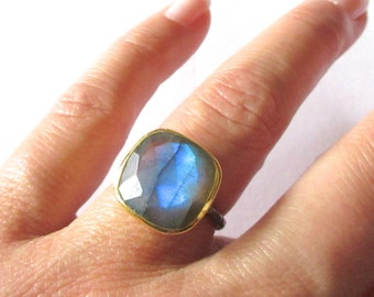 Labradorite Statement Ring  - Gemstone Ring - Labradorite - Gold Ring