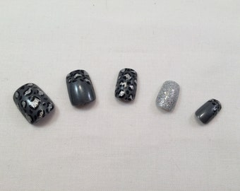 Grey and Silver Leopard Print w/ Glitter Acent Nail False Nail Set