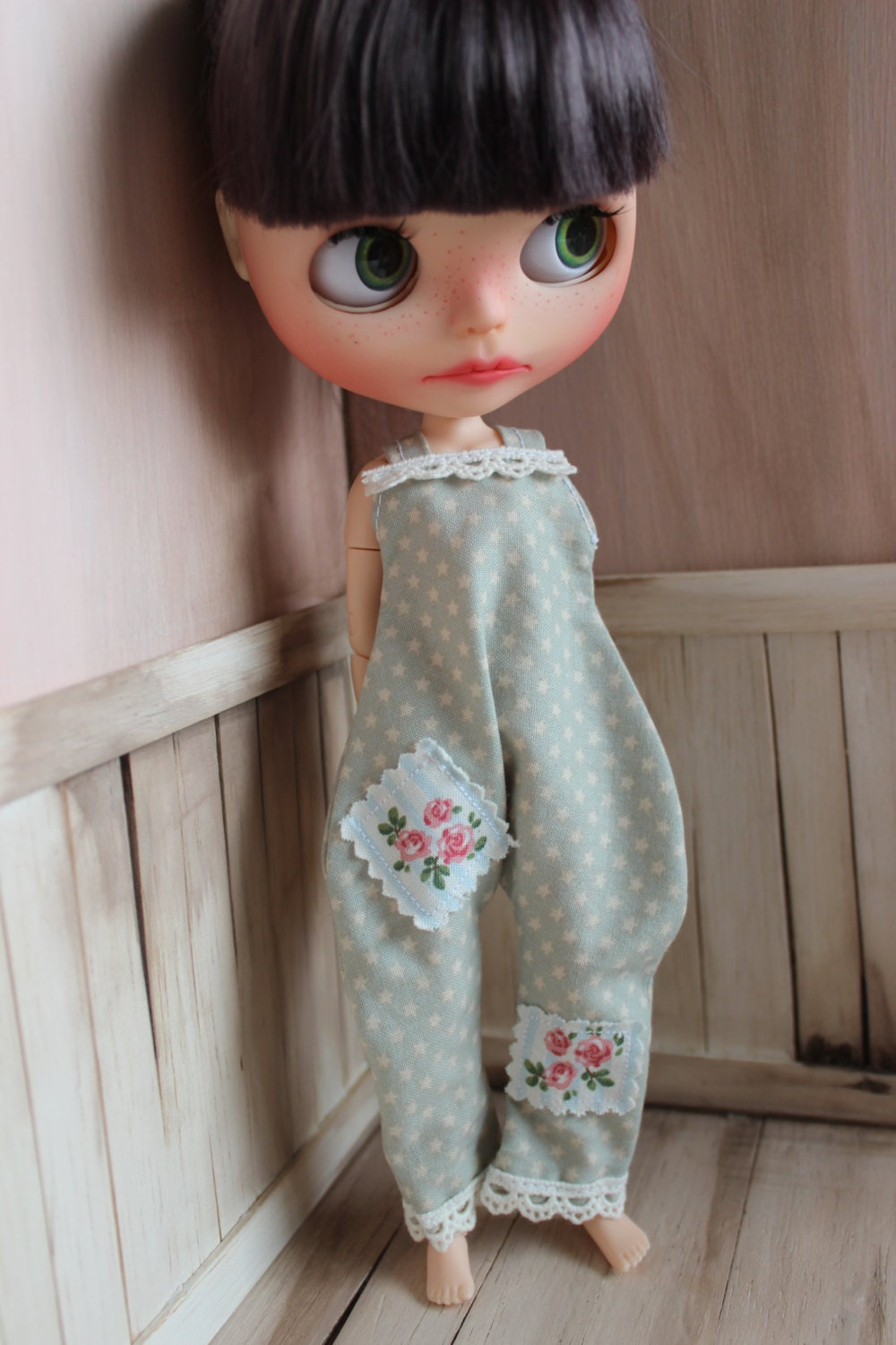 Shabby chic salopette pour blythe blythe combi short tenue for Tenue shabby chic