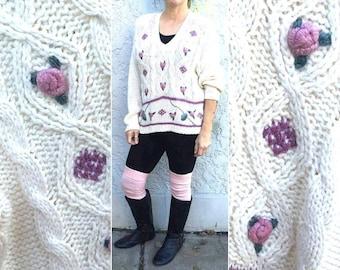 Medium White Floral Sweater - V Neck - Nicole Winters