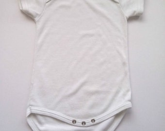 White Body Suit size Age 18 – 24 months  1980s vintage  Label Debenhams