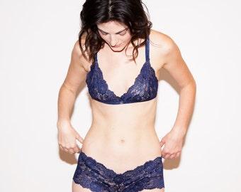 Navy Lacie Set // Navy Blue Lace Bra and Panty Set Matching