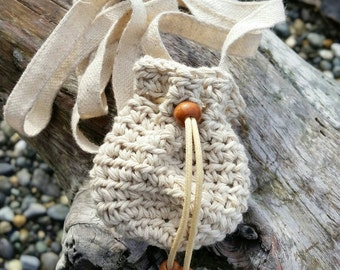 Crochet hemp pouch necklace small