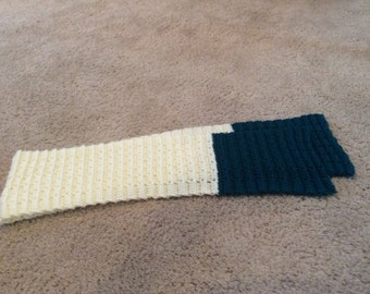 Off White & Green Crocheted Scarf
