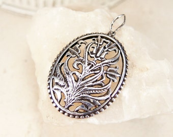 Sterling silver pendant - Vintage sterling silver charm - Oval floral pendant