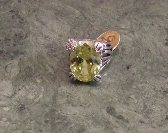 Peridot Birthstone Ring, Lime Green Birthstone Ring, August Birthstone Ring, Stainless Steel Peridot, Green Ring, Gift for Her, Jewelry Ring