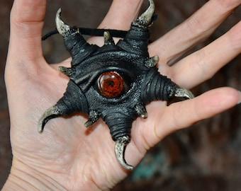 Zombie eye Dragon eye Leather pendant shuriken Creepy Bloody eyes Demon Eye - Dead eye - Jeepers Creepers  Blood Fangs Shaman Totem Teeth