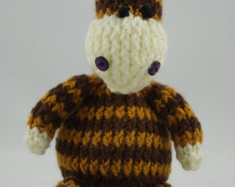 giraffe soft toy hand knitted knit crochet cute cuddly toy photo prop gift baby shower stuffed animal kids Waldorf toy nursery decor plush
