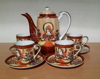 Beautiful Vintage Japanese Hand Painted Tea Set, Vintage Japanese Tea set, One Tea Pot, Four Cups And Saucers, Traditional Japanese Tea Set.