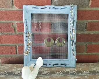 Upcycled Frame Earring Display - Rabbit Wire / Chicken Wire - Shabby Chic Distressed Jewelry Holder