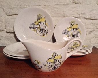 Crown Clarence Part Set/Vintage Tea Set