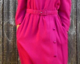 1980s fuschia dress //  1980s dress // shoulder pads dress // Retro fuschia dress // 80s secretary dress // Puff shoulders dress // M