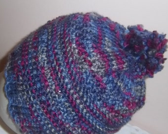 Tuque knitted by hand