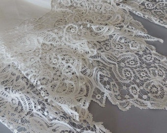 Vintage White Tape Lace Tablecloth / Monogrammed Tape Lace Tablecloth / White Batterburg Lace Tablecloth / White Battenburg / Table Linen