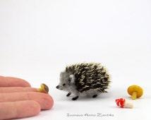 Tiny Hedgehog, Needle Felted Hedgehog, Needle Felted Animal, Woodland Animal, Hedgehog for dollhouse, miniature Hedgehog, mini Hedgehog