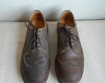 Vintage 90s Doc Martin brown leather Oxford 5 eye Wing-tip  shoes mens 8 Made in England