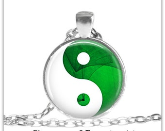 Green Yin Yang Necklace Yin Yang Spiritual Jewelry Yoga Meditation Gift yin yang Pendant Keychain Gift for her him yogi Spiritual gifts