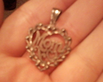 "VINTAGE Sterling silver 925 ""Mom"" deco heart"