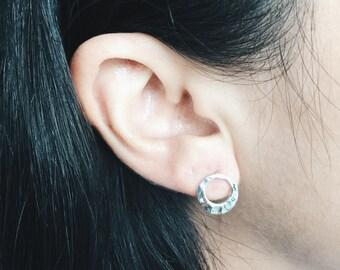 Hammered silver circle ear stud, silver circle ear stud, hammered silver ear stud, silver circle, sterling silver ear studs (ES9)