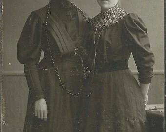 Carte De Visite Photograph of a Victorian Sisters, CDV Photo, Visiting Card, Original Antique Photo, Old Picture in Sepia, Memorabilia B