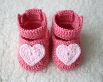 Crochet baby shoes, Baby girl shoes, Newborn gifts, Heart baby shoes, Baby shower gift, Baby crochet, Baby girl sandals