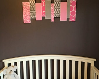 Nursery - Child's room - Pink and grey wooden wall decor