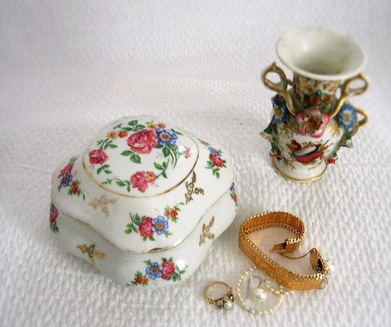 bonbonni re ancienne en porcelaine bo te bijoux vintage. Black Bedroom Furniture Sets. Home Design Ideas