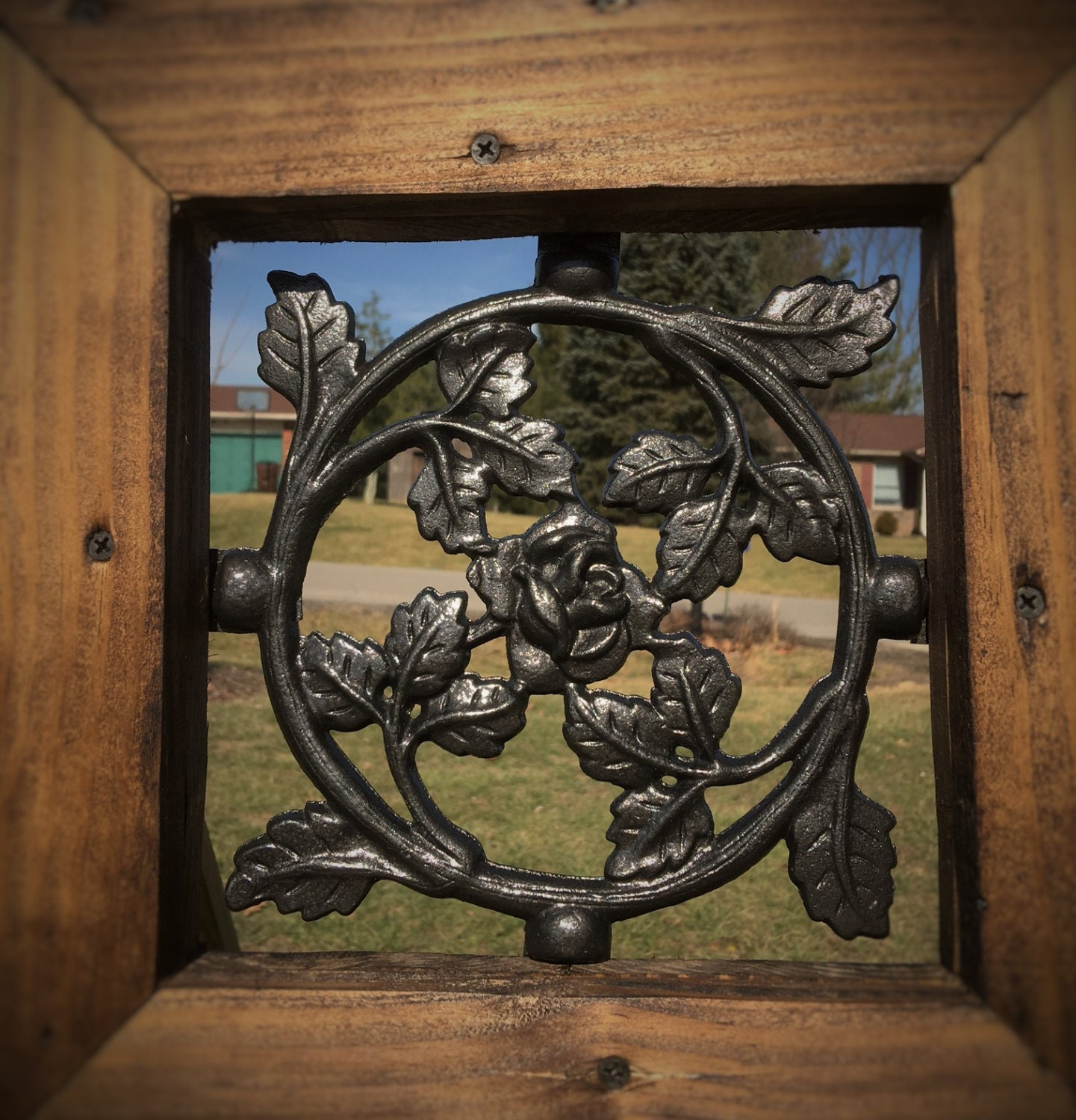 1500 #68492F Cast Iron Rose Pattern Wood Gate Window Insert picture/photo Cast Iron Security Doors 7191441