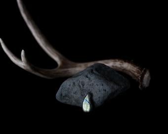 Blue and Green Labradorite Cabochon // 31.2 carats // blue, green hues, magical and iridescent // 101