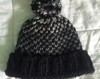 Ombre Pattern Pom-Pom Hat