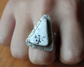 White Buffalo Ring, Turquoise Jewelry, White Turquoise,  Turquoise Ring, Gem Stone Jewelry, Southwestern Jewelry,