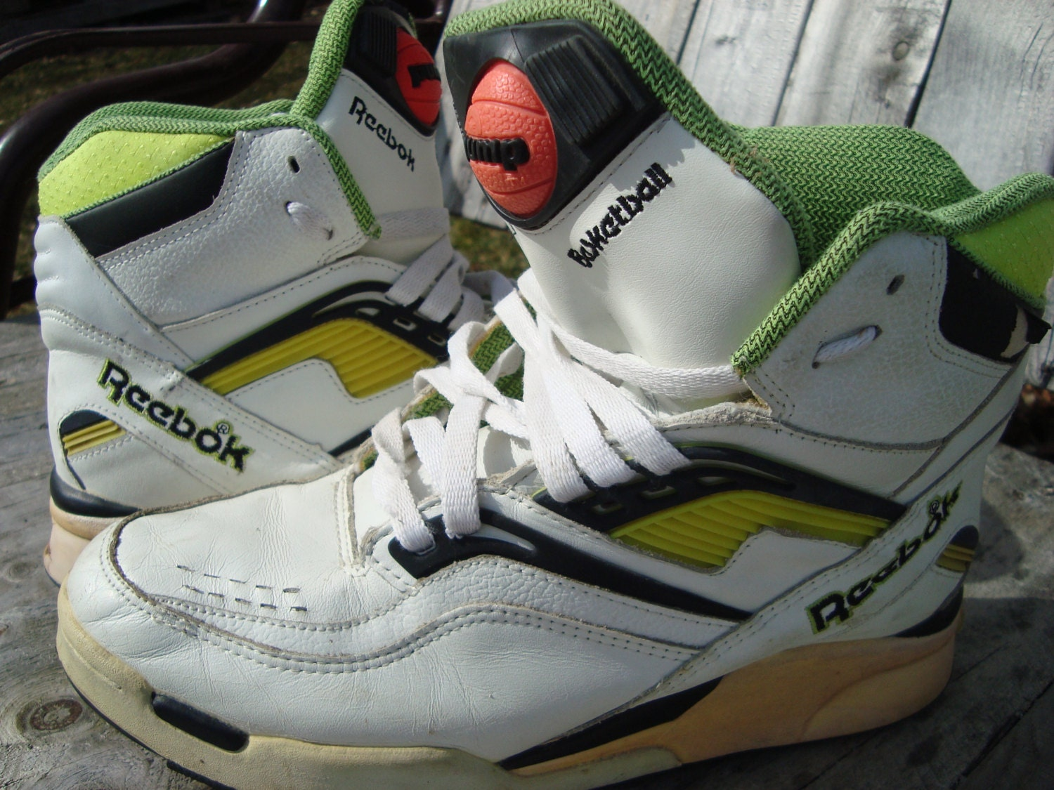original 90s reebok pumps vintage shoes rare reebok pump. Black Bedroom Furniture Sets. Home Design Ideas