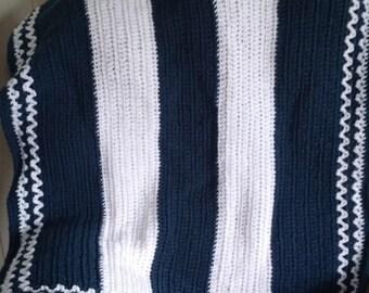Crochet Blue & white baby blanket