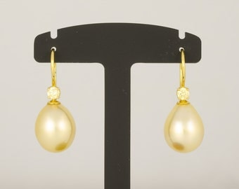 Ear pendants • South Pacific breeding Pearl drop gold • brilliant yellow • gold • diamond